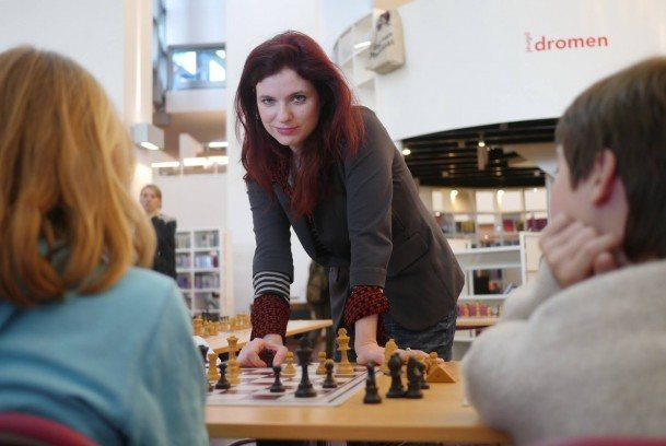 Jennifer Shahade 9queens chess