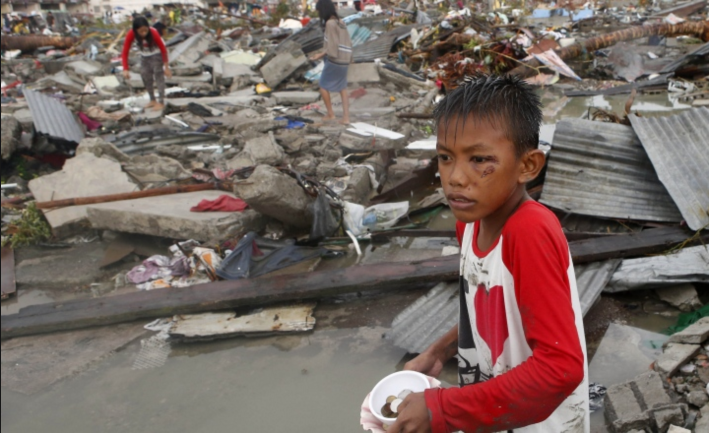 Players were able to donate easily to Philippines typhoon relief on the PokerStars and Full Tilt websites