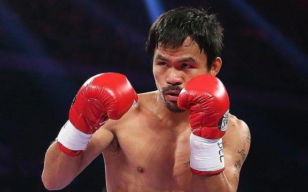 Manny Pacquiao reportedly bets $100,000 in poker game.