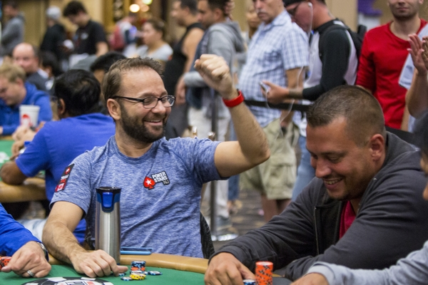 wsop day 43 ivey negreanu out of main pok mon go sweeps rio. Black Bedroom Furniture Sets. Home Design Ideas