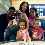 Maurice Hawkins poses with his wife, Aprelle, and four children: Maurice Jr. (age 14), Amadee (age 11), Harmony (age 6), and Phoenix (age 4). Image: WSOP