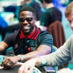 Kevin Hart did what he does best: provided entertainment on Day One at the 2017 Super High Roller Bowl. (Image: pokerbrave.com)