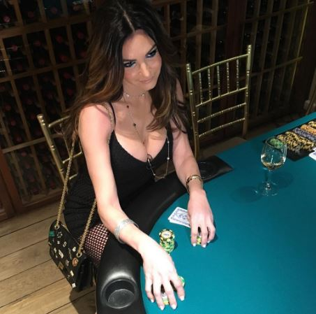 Celebutante Poker Player Beth Shak Claims iCloud Hack, as Second Acrimonious Divorce Gets Underway