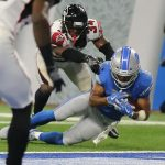 Detroit Lions wide receiver Golden Tate was ruled down just short of the end zone on the final play against the Atlanta Falcons. The Lions were three-point underdogs and lost 30-26. (Image: Bleacher Report)