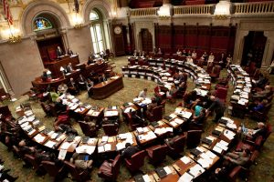 New York Senate Proposes Budget that Includes Legal Online Poker, Sports Betting