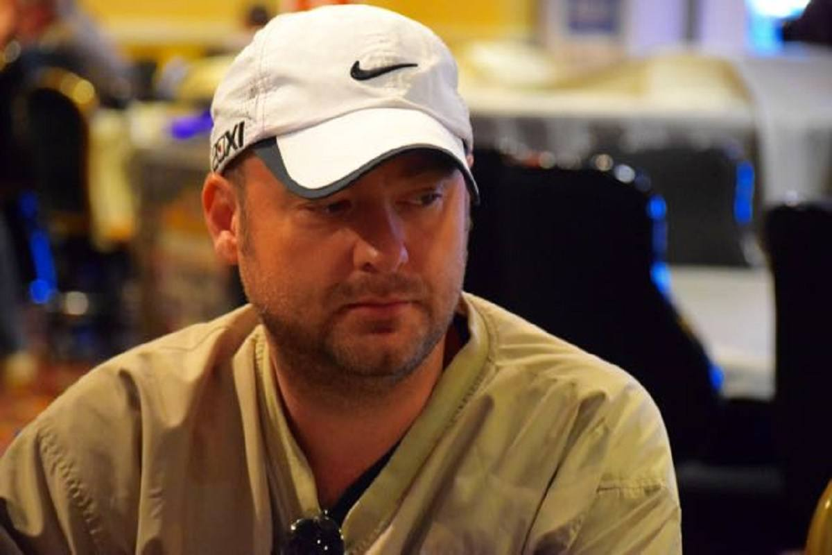 Mike Postle cheating poker