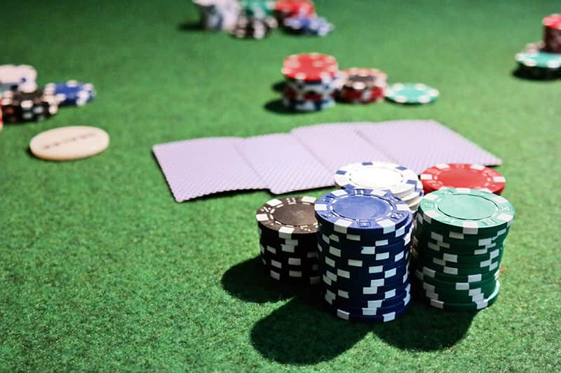 Preflos Pooseness in Holdem and Omaha